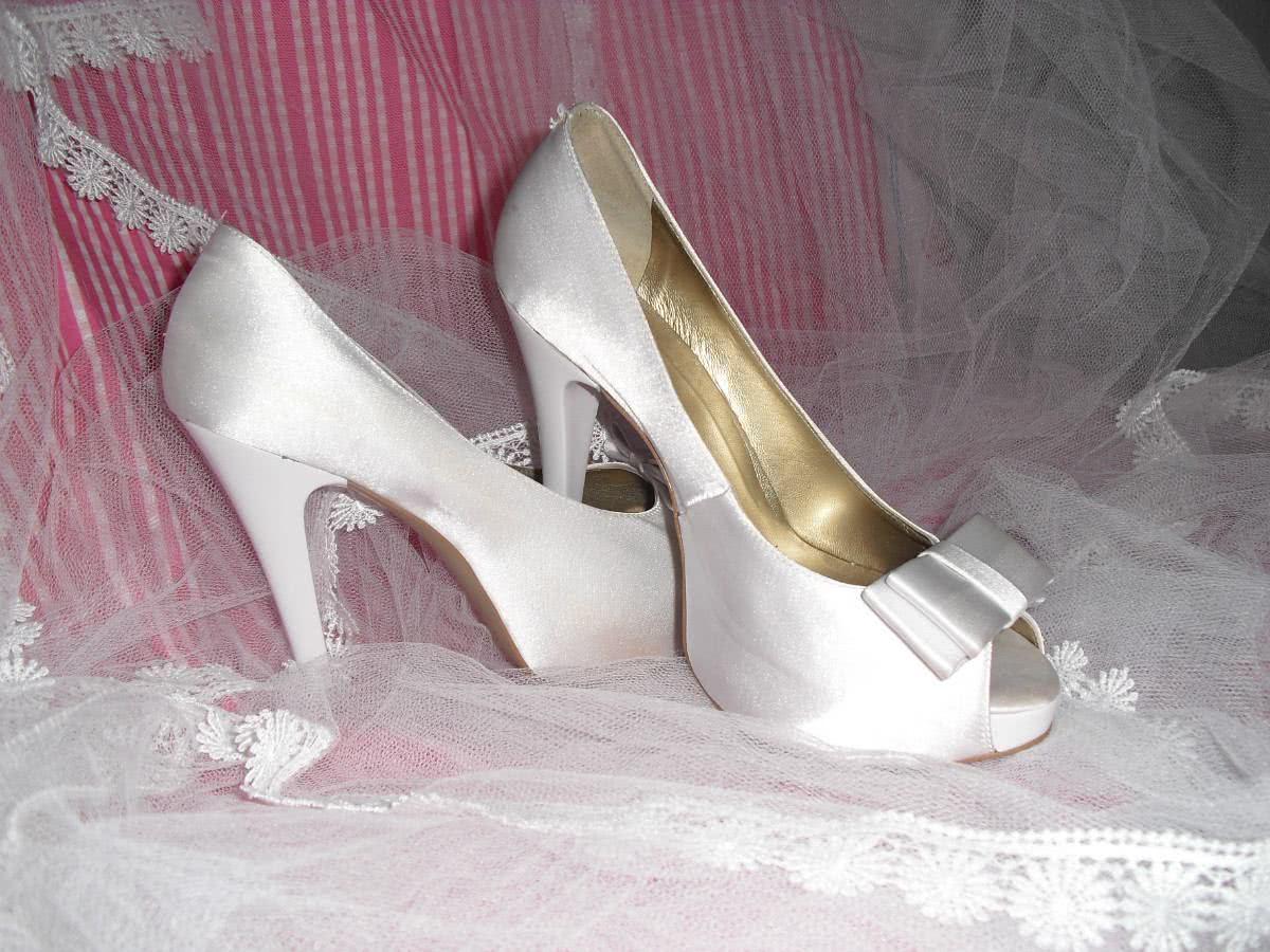 abaa9c30f sapatos1-300x225. Os sapatos de noivas ...